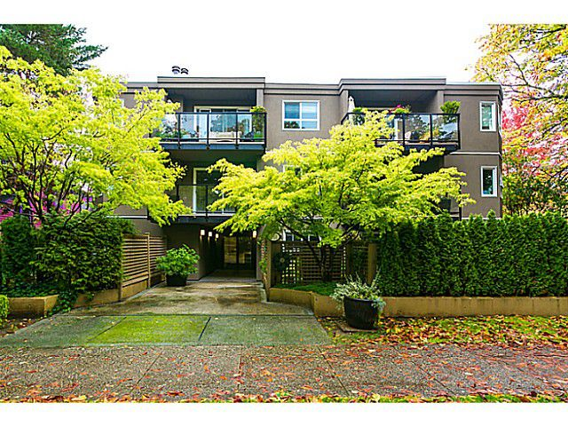 Main Photo: 205 111 W 10TH Avenue in Vancouver: Mount Pleasant VW Condo for sale (Vancouver West)  : MLS®# V1091570
