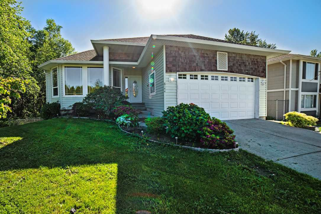 """Main Photo: 8144 TOPPER Drive in Mission: Mission BC House for sale in """"College Heights"""" : MLS®# R2065239"""