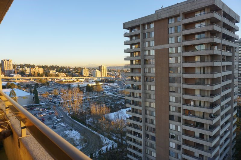 "Main Photo: 1604 3755 BARTLETT Court in Burnaby: Sullivan Heights Condo for sale in ""TIMBERLEA ""THE OAK"""" (Burnaby North)  : MLS®# R2129303"