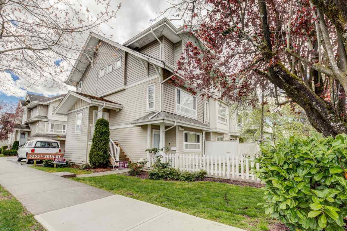 Main Photo: 6 5255 201A Street in Langley: Langley City Townhouse for sale : MLS®# R2160090