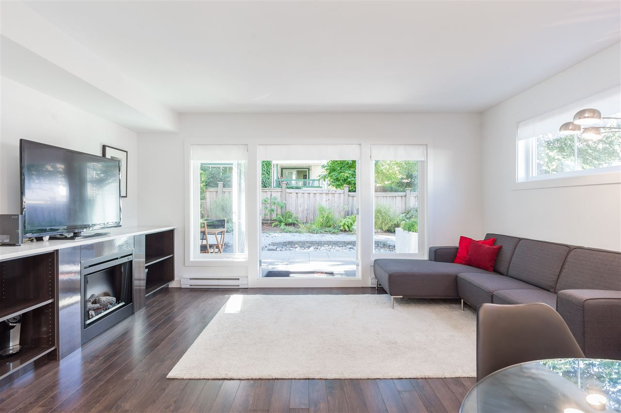 """Main Photo: 7 5655 CHAFFEY Avenue in Burnaby: Central Park BS Townhouse for sale in """"Townewalk"""" (Burnaby South)  : MLS®# R2206910"""