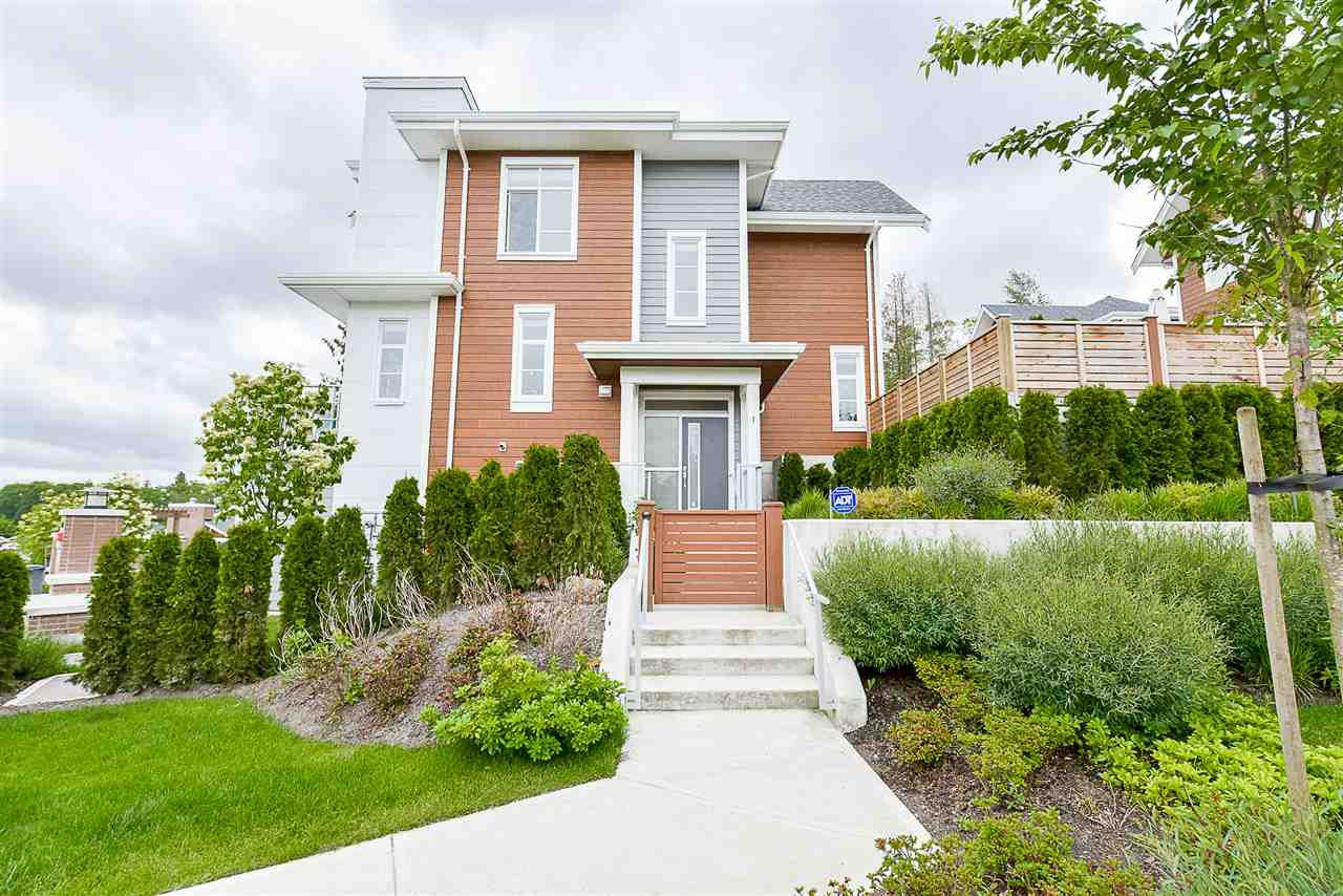 """Main Photo: 1 15918 MOUNTAIN VIEW Drive in Surrey: Grandview Surrey Townhouse for sale in """"Willsbrook"""" (South Surrey White Rock)  : MLS®# R2230165"""