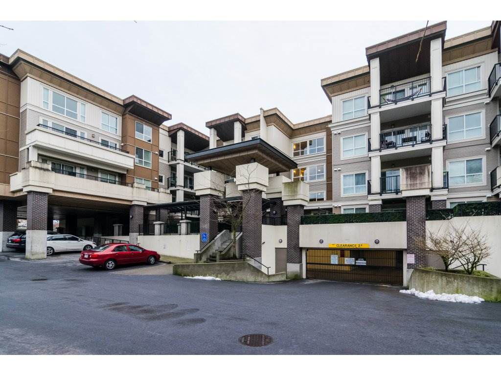 Main Photo: 124 9655 KING GEORGE BOULEVARD in Surrey: Whalley Condo for sale (North Surrey)  : MLS®# R2229475