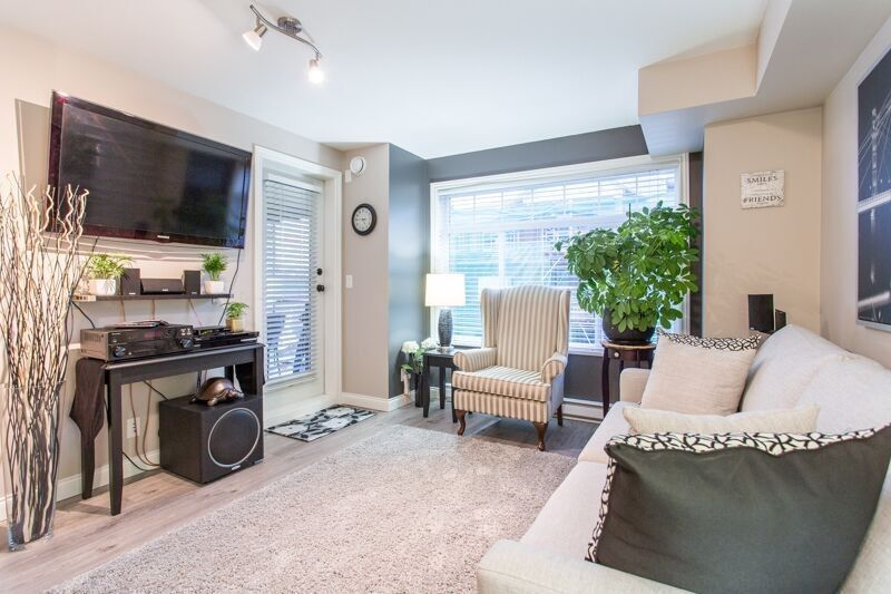 Main Photo: 343 5660 201A Street in Langley: Langley City Condo for sale : MLS®# R2245850