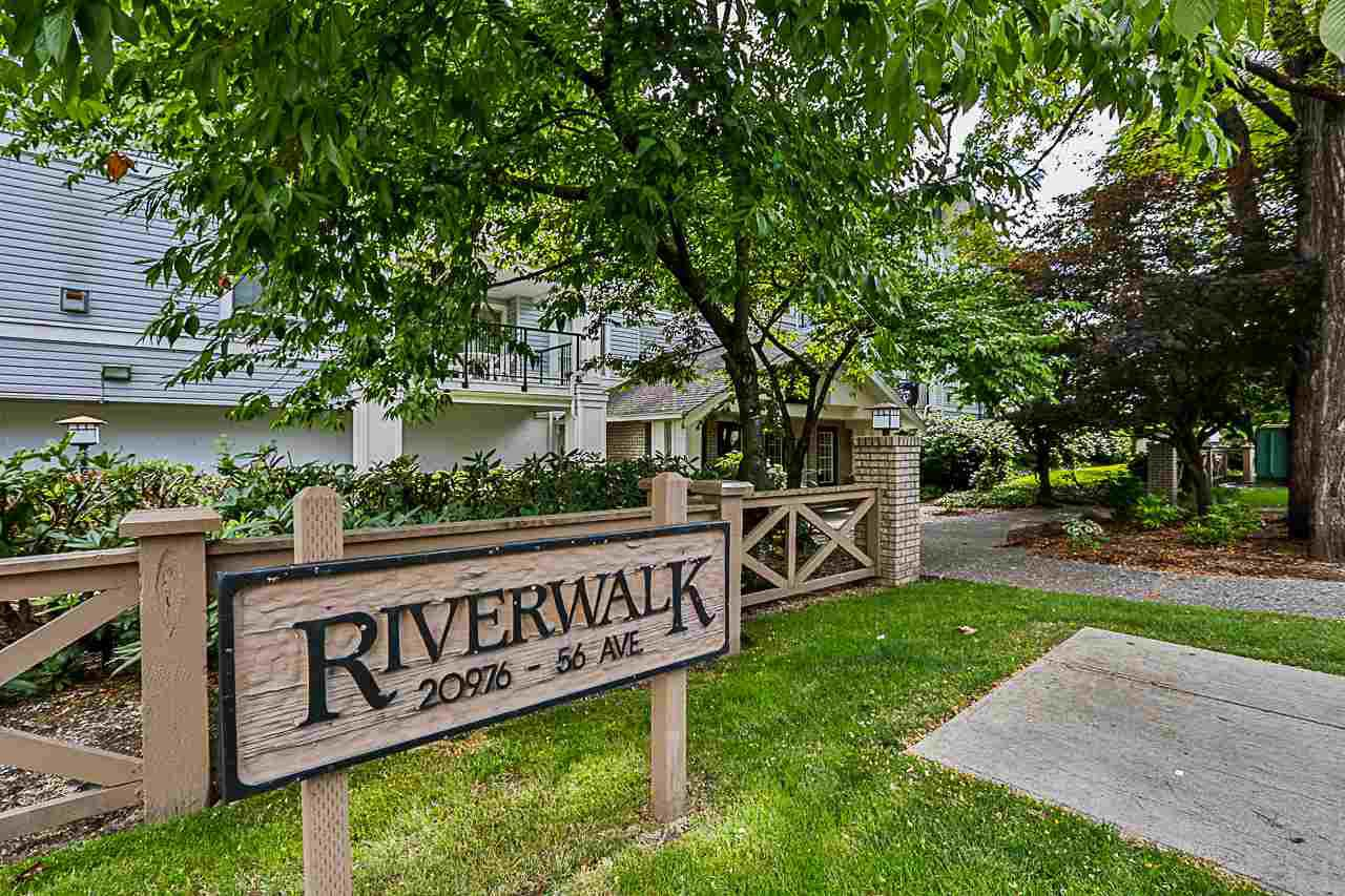 """Main Photo: 305 20976 56 Avenue in Langley: Langley City Condo for sale in """"Riverwalk"""" : MLS®# R2285144"""