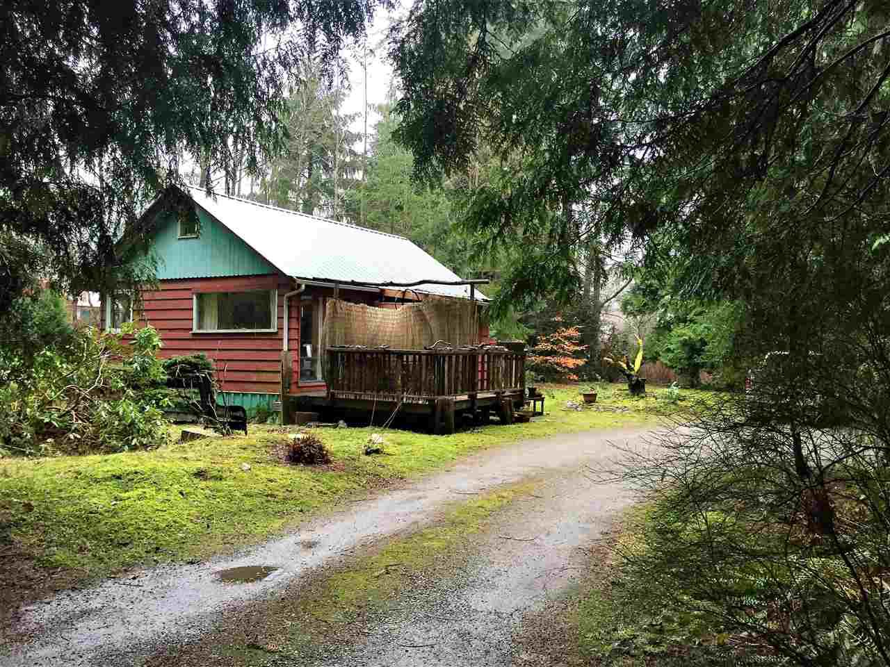 Main Photo: 394 PRATT Road in Gibsons: Gibsons & Area House for sale (Sunshine Coast)  : MLS®# R2323836