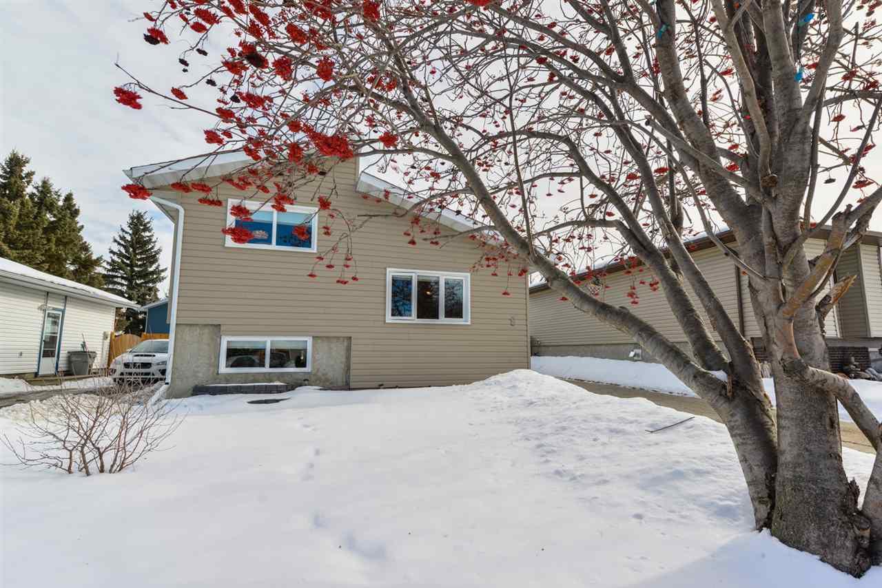 Main Photo: 8 GLORY HILLS Drive: Stony Plain House for sale : MLS®# E4147084