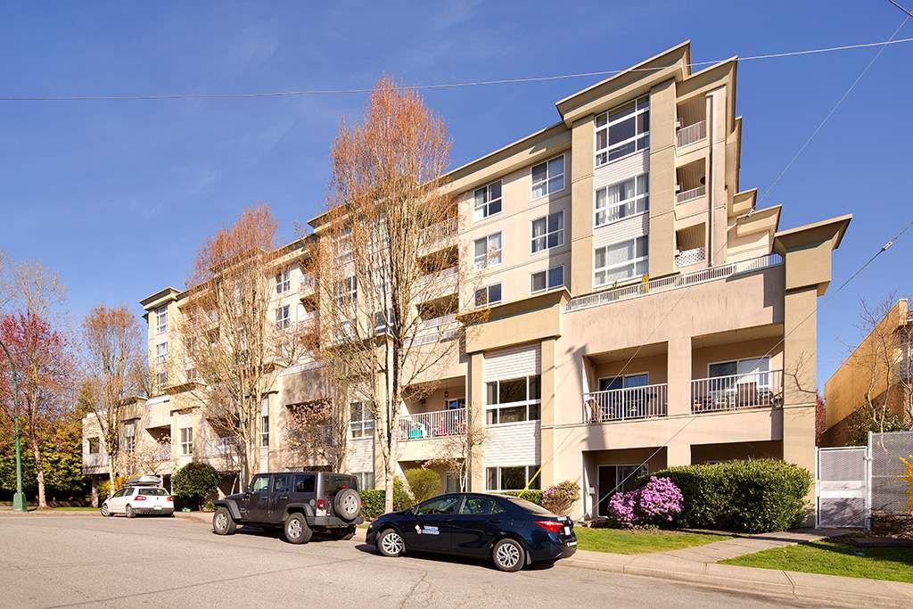 Main Photo: 101 22230 NORTH Avenue in Maple Ridge: West Central Condo for sale : MLS®# R2354509