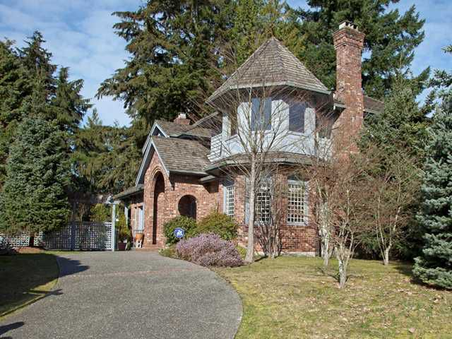 Main Photo: 3025 GRIFFIN Place in North Vancouver: Capilano Highlands House for sale : MLS®# V877078