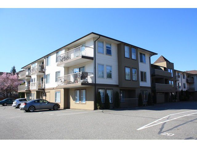 "Main Photo: 109 45702 WATSON Road in Sardis: Vedder S Watson-Promontory Condo for sale in ""GLENDALE MANOR"" : MLS®# H1401290"