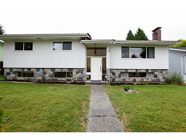 Main Photo: 2130 GERALD Avenue in Burnaby: Montecito House for sale (Burnaby North)  : MLS®# V1127017