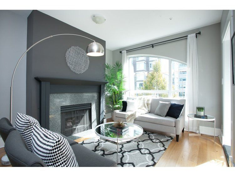"Main Photo: PH17 511 W 7TH Avenue in Vancouver: Fairview VW Condo for sale in ""BEVERLY GARDENS"" (Vancouver West)  : MLS®# R2001125"