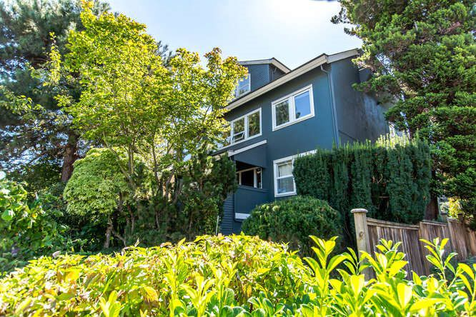Main Photo: 1 2682 W 8TH Avenue in Vancouver: Kitsilano Townhouse for sale (Vancouver West)  : MLS®# R2102055