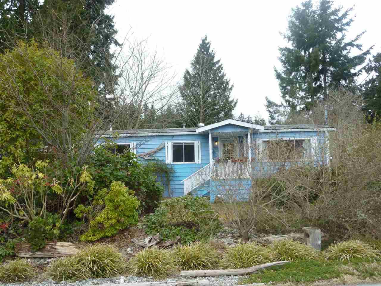 "Main Photo:  in Sechelt: Sechelt District Manufactured Home for sale in ""SECHELT"" (Sunshine Coast)  : MLS®# R2143216"