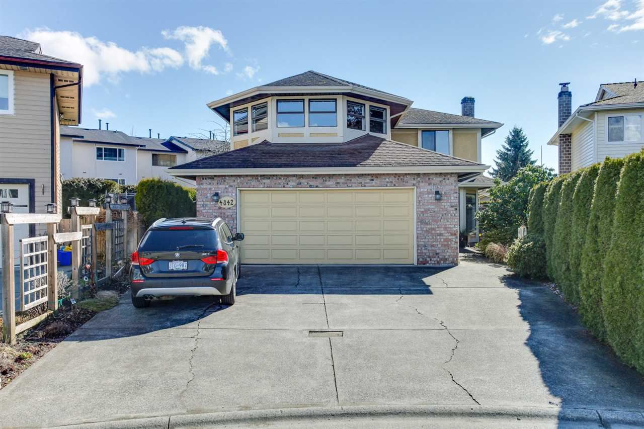 Main Photo: 4842 54A Street in Delta: Hawthorne House for sale (Ladner)  : MLS®# R2145947