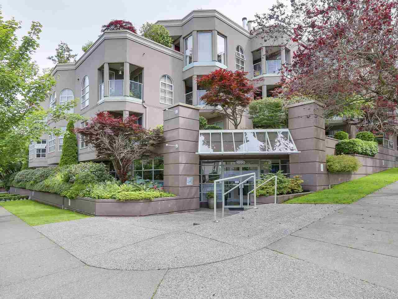 "Main Photo: 111 1082 W 8TH Avenue in Vancouver: Fairview VW Condo for sale in ""La Galleria"" (Vancouver West)  : MLS®# R2184418"