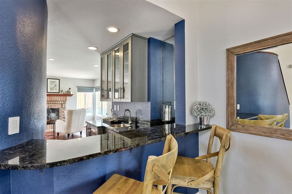 Photo 5: Photos: SCRIPPS RANCH House for sale : 4 bedrooms : 11680 Scripps Lake Dr in San Diego