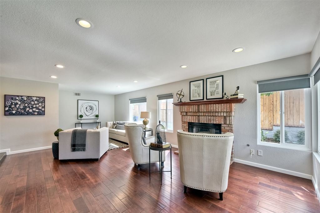 Photo 13: Photos: SCRIPPS RANCH House for sale : 4 bedrooms : 11680 Scripps Lake Dr in San Diego