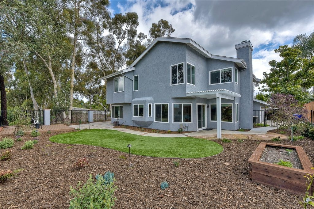 Photo 24: Photos: SCRIPPS RANCH House for sale : 4 bedrooms : 11680 Scripps Lake Dr in San Diego
