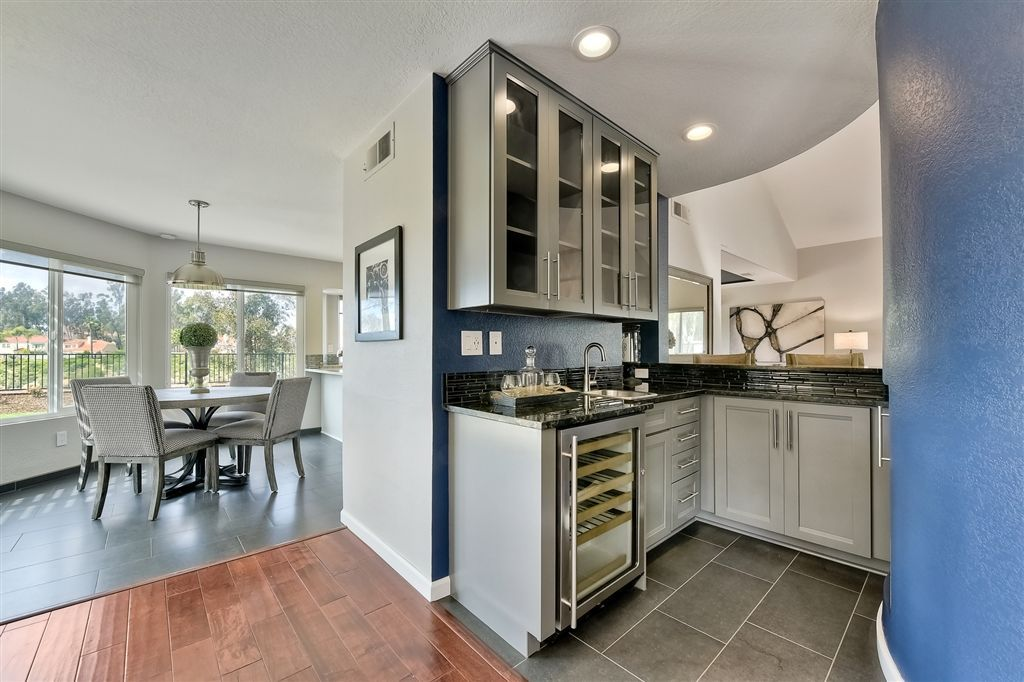 Photo 6: Photos: SCRIPPS RANCH House for sale : 4 bedrooms : 11680 Scripps Lake Dr in San Diego