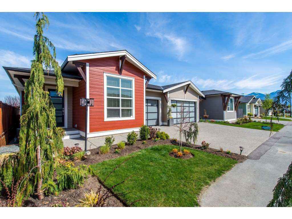 "Main Photo: 4 46213 HAK'WELES Road in Chilliwack: Sardis East Vedder Rd House for sale in ""Elysian Village"" (Sardis)  : MLS®# R2355184"