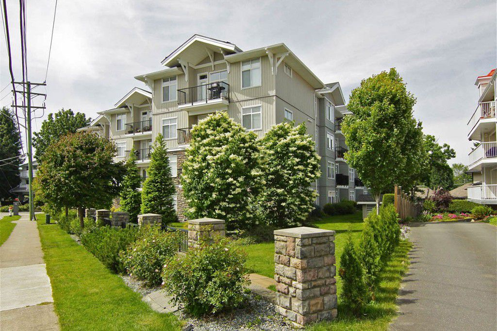"""Main Photo: 205 33255 OLD YALE Road in Abbotsford: Central Abbotsford Condo for sale in """"The Brixton"""" : MLS®# F1327436"""