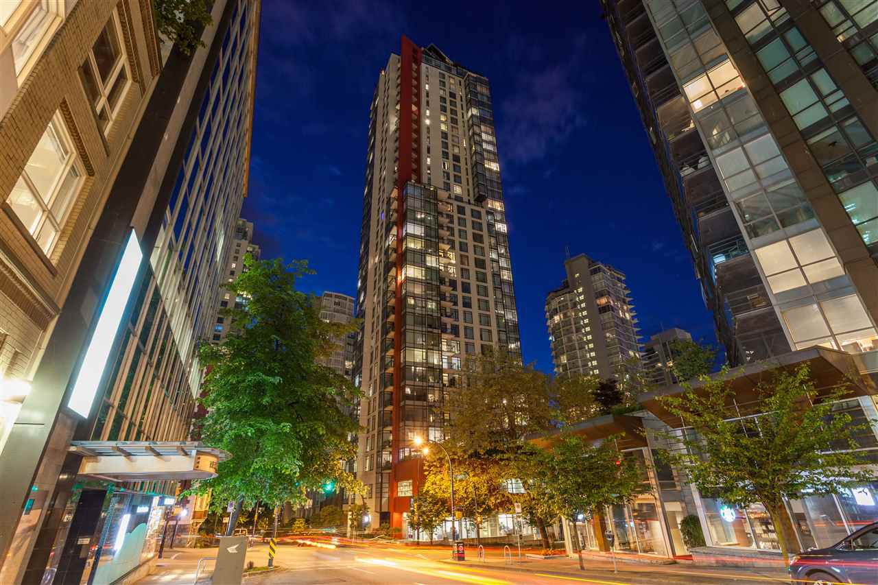 """Main Photo: 504 1211 MELVILLE Street in Vancouver: Coal Harbour Condo for sale in """"THE RITZ"""" (Vancouver West)  : MLS®# R2143685"""