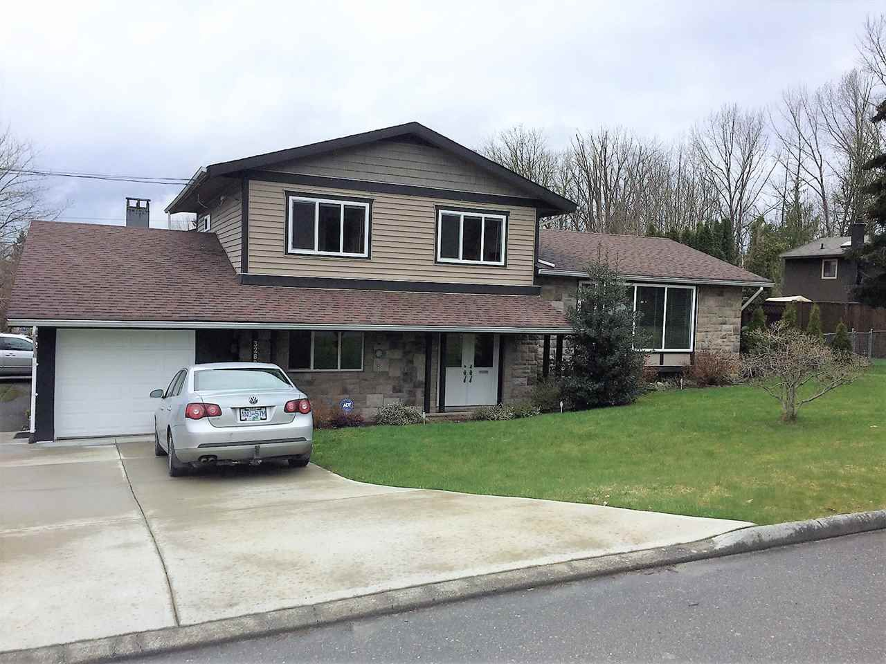 Main Photo: 32897 12TH Avenue in Mission: Mission BC House for sale : MLS®# R2150288