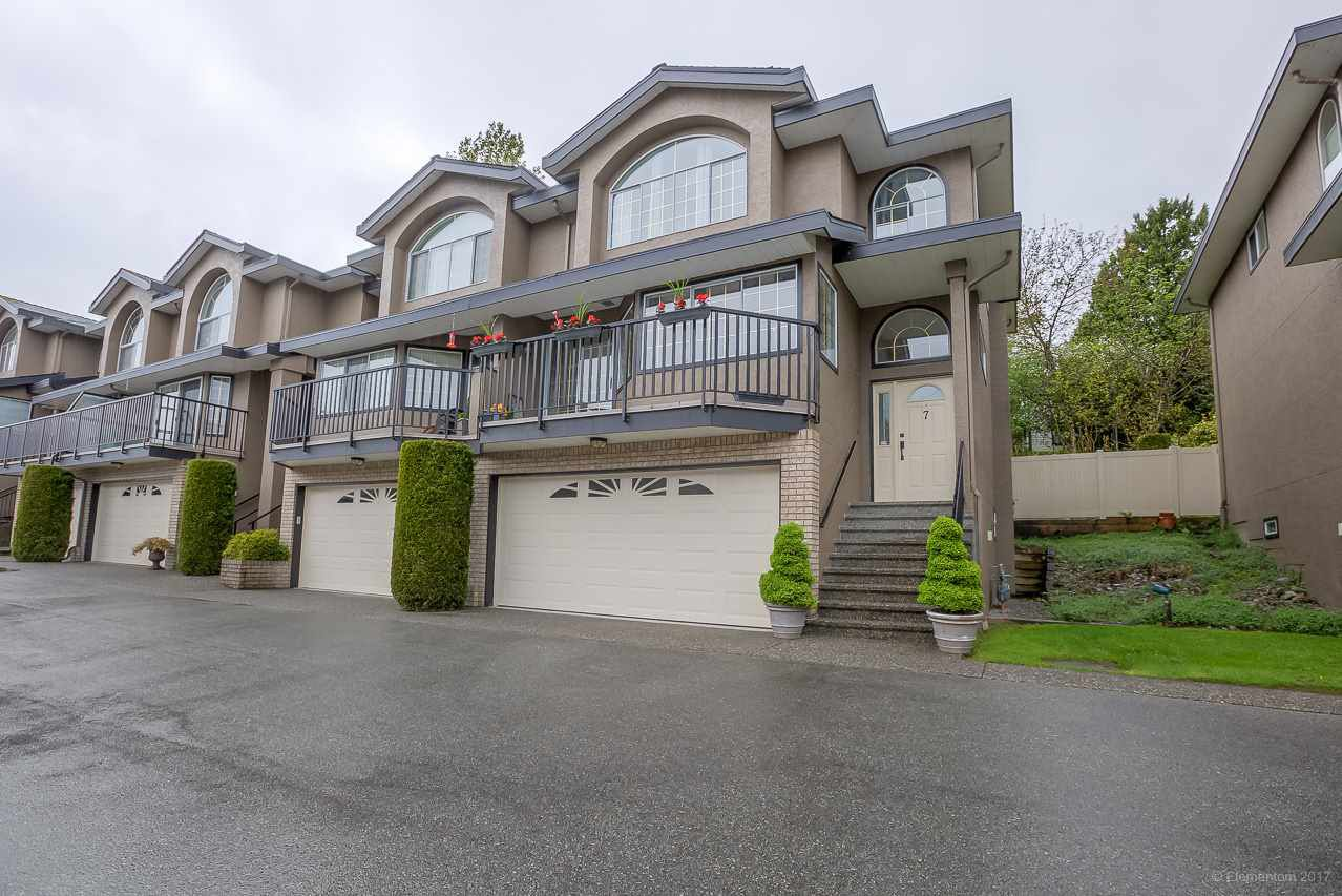 "Main Photo: 7 22488 116 Avenue in Maple Ridge: East Central Townhouse for sale in ""Richmond Hill Estates"" : MLS®# R2163876"