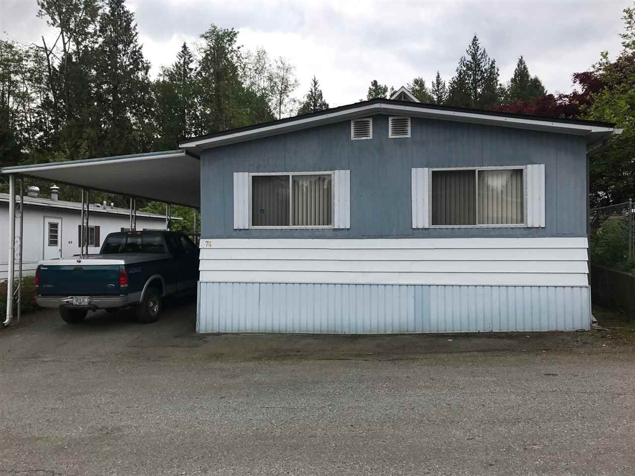 "Main Photo: 74 8190 KING GEORGE Boulevard in Surrey: East Newton Manufactured Home for sale in ""King George"" : MLS®# R2168013"