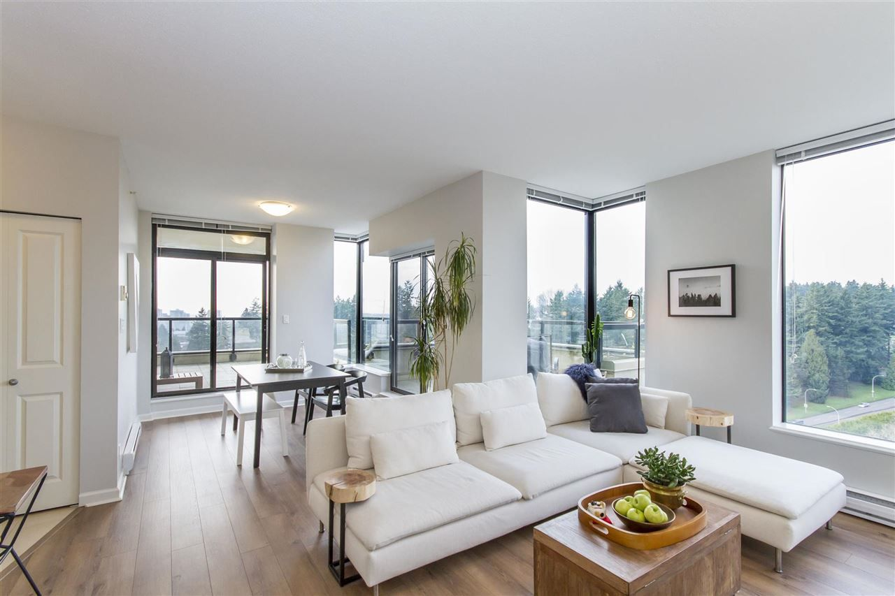 """Main Photo: 2101 15 E ROYAL Avenue in New Westminster: Fraserview NW Condo for sale in """"VICTORIA HILL"""" : MLS®# R2226626"""