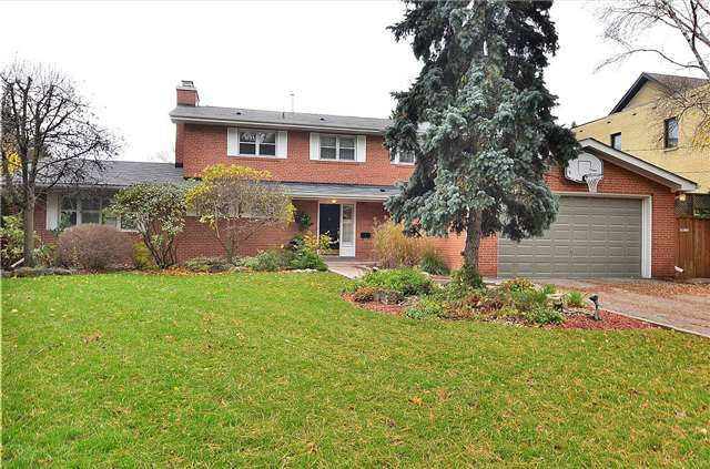 Main Photo: 23 Donna Mae Crescent in Vaughan: Crestwood-Springfarm-Yorkhill House (2-Storey) for lease : MLS®# N4030696