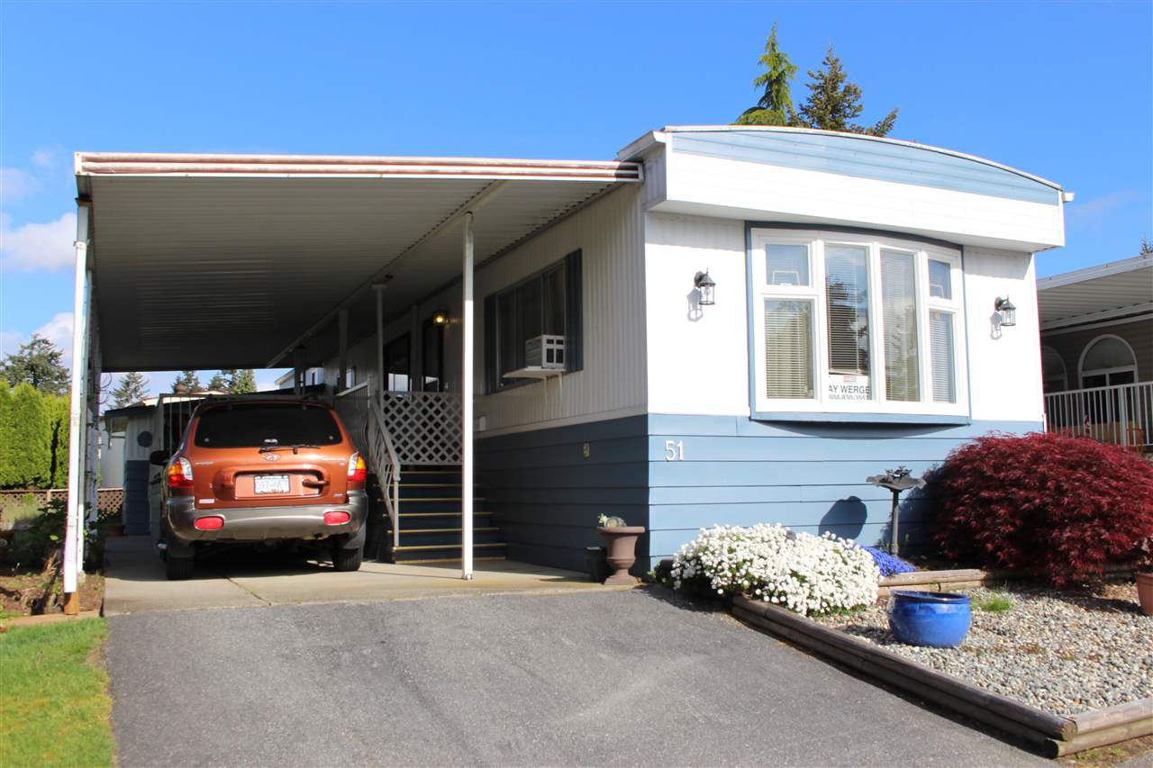 "Main Photo: 51 8560 156 Street in Surrey: Fleetwood Tynehead Manufactured Home for sale in ""WEST VILLA"" : MLS®# R2267325"