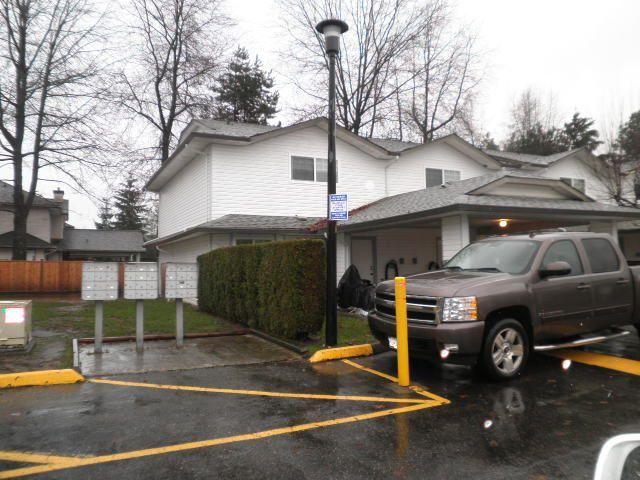 Main Photo: 10 11757 207 Street in Maple Ridge: Southwest Maple Ridge Townhouse for sale : MLS®# R2329304