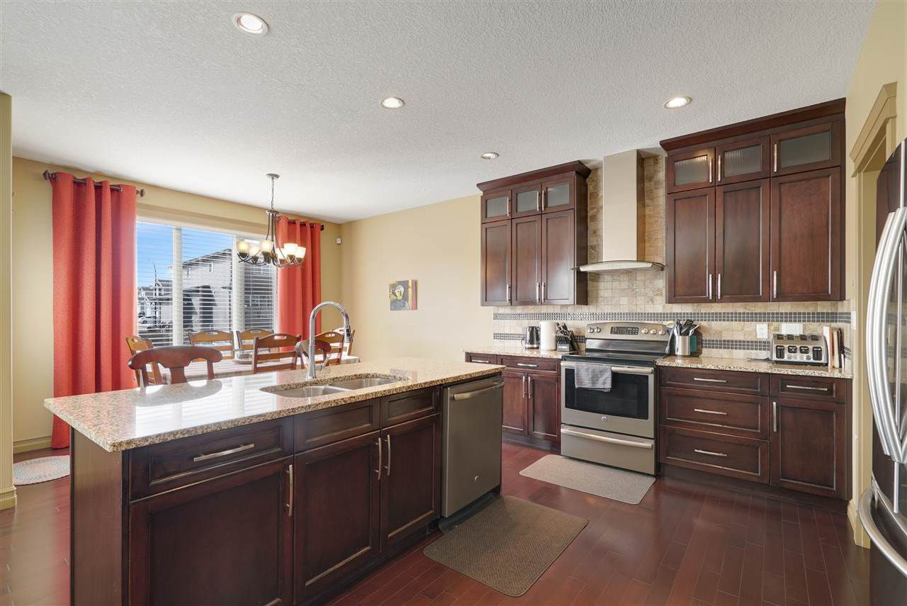 Main Photo: 154 WOODBEND Way: Fort Saskatchewan House for sale : MLS®# E4152677