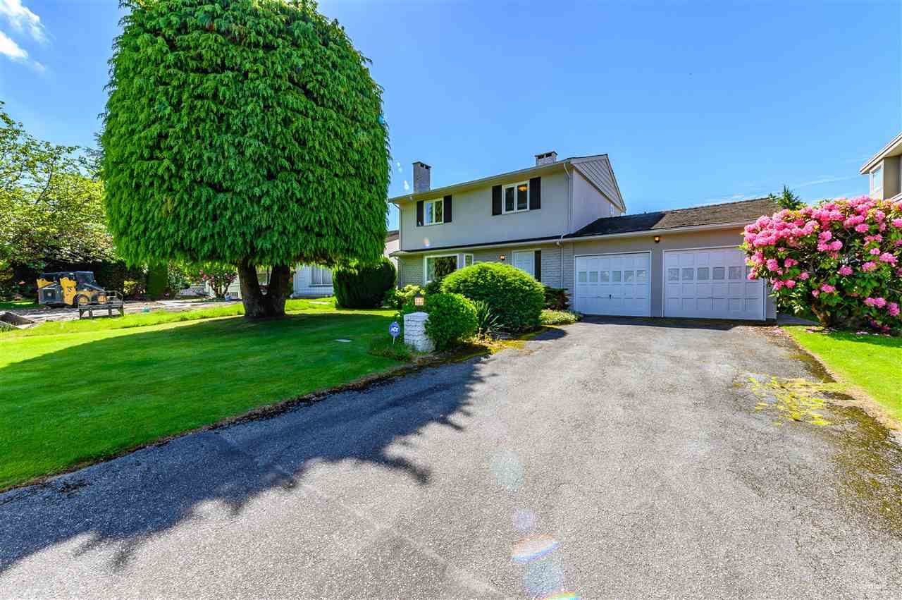 """Main Photo: 856 W 47TH Avenue in Vancouver: Oakridge VW House for sale in """"RS-1"""" (Vancouver West)  : MLS®# R2370807"""