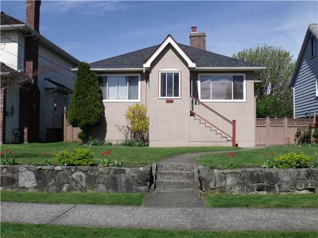 Main Photo: 1425 DUBLIN Street in New Westminster: West End NW House for sale : MLS®# V1001551