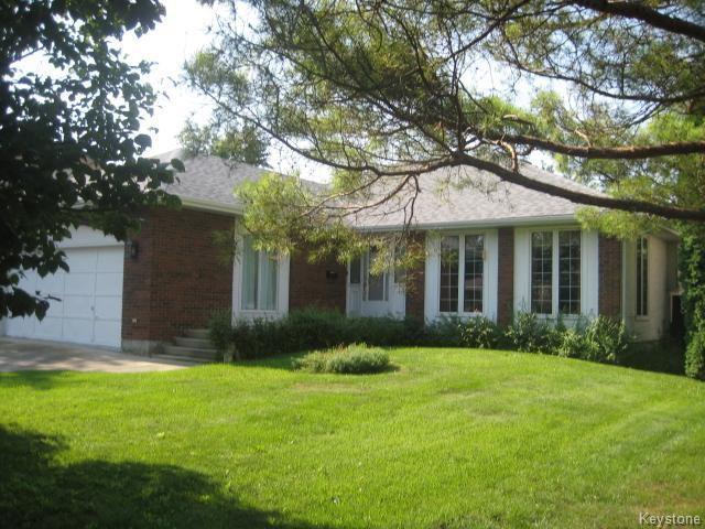Main Photo: 422 Bonner Avenue in WINNIPEG: North Kildonan Residential for sale (North East Winnipeg)  : MLS®# 1529206