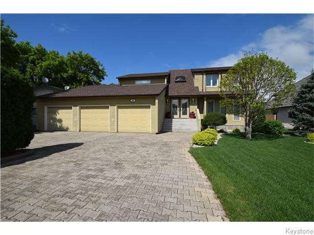 Main Photo: 11 EVERETTE Place in West St Paul: West Kildonan / Garden City Residential for sale (North West Winnipeg)  : MLS®# 1614570