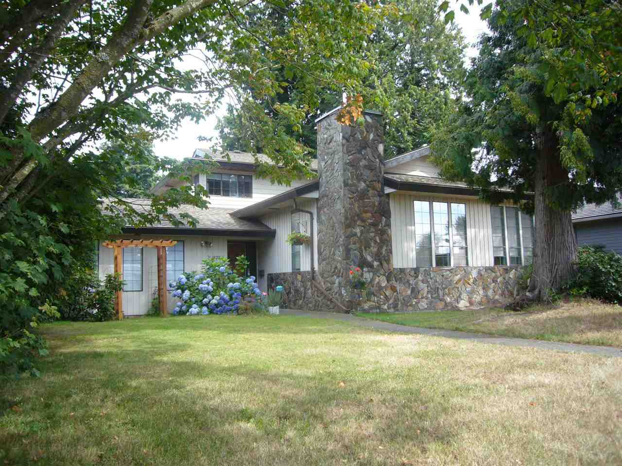"""Main Photo: 1828 148 Street in Surrey: Sunnyside Park Surrey House for sale in """"Southmere"""" (South Surrey White Rock)  : MLS®# R2092745"""