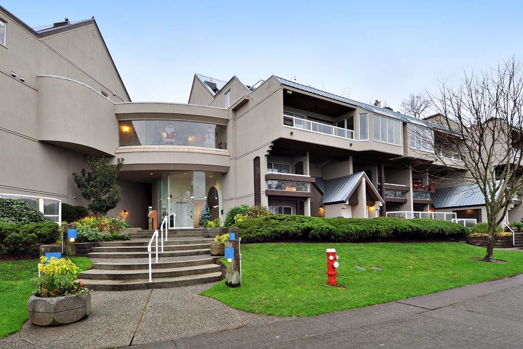 """Main Photo: 412 5 K DE K Court in New Westminster: Quay Condo for sale in """"QUAYSIDE TERRACE"""" : MLS®# R2140856"""
