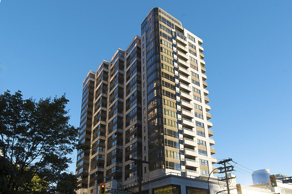 """Main Photo: 707 1060 ALBERNI Street in Vancouver: West End VW Condo for sale in """"THE CARLYLE"""" (Vancouver West)  : MLS®# R2211208"""