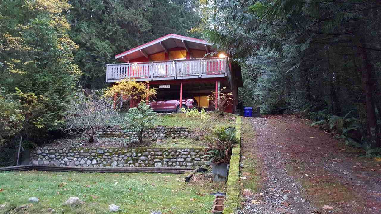 This home is set well back on the property located near the end of the quiet cul-de-sac