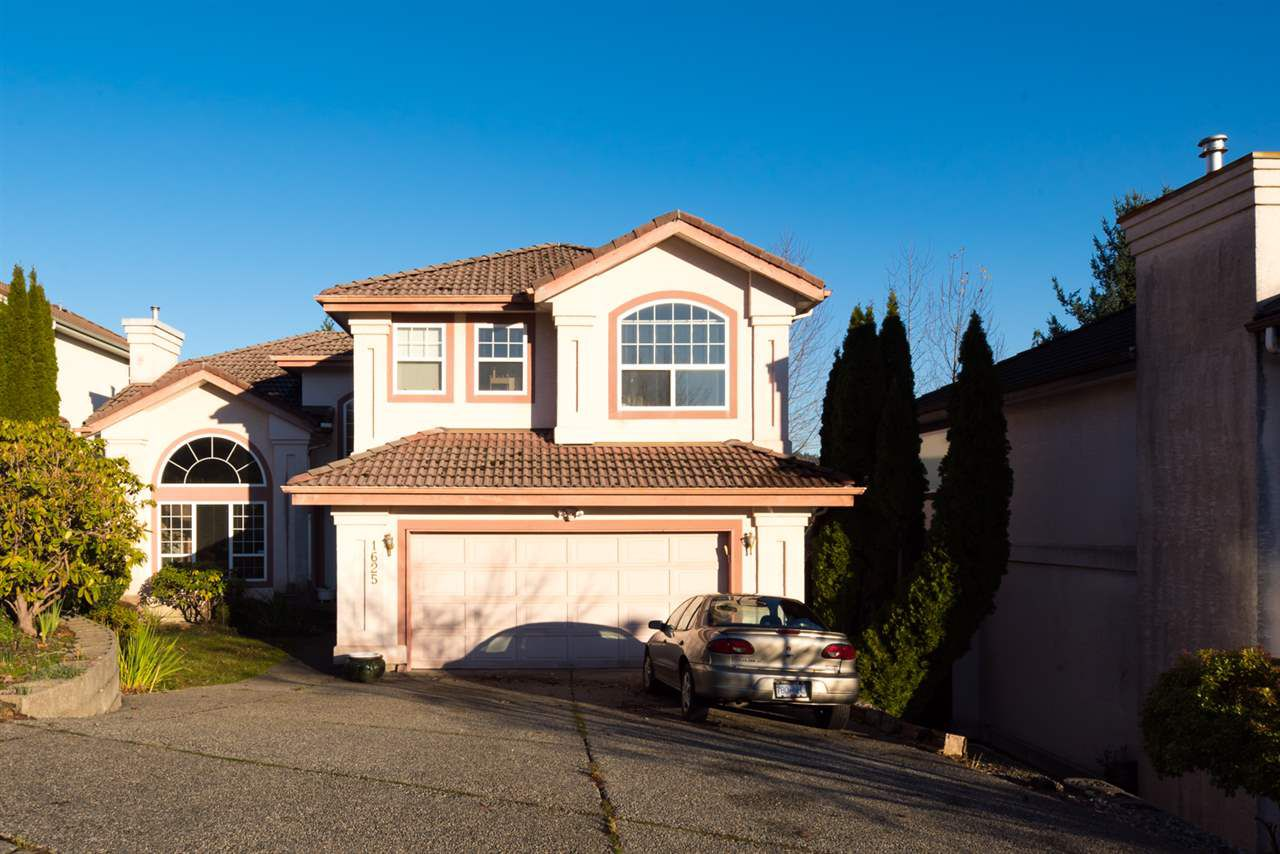 Main Photo: 1625 PINETREE Way in Coquitlam: Westwood Plateau House for sale : MLS®# R2227047