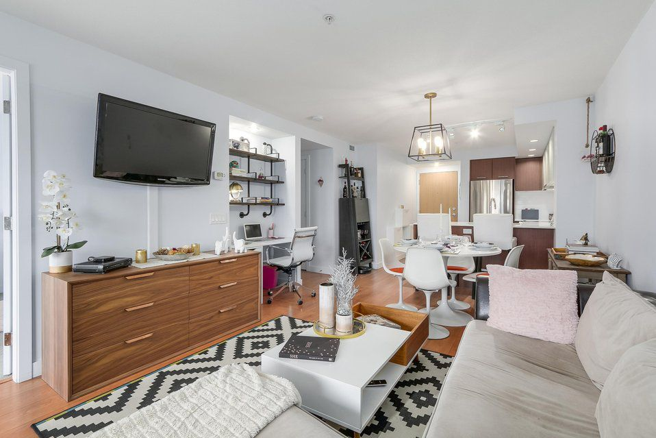 Main Photo: 320 221 E 3 Street in North Vancouver: Lower Lonsdale Condo for sale : MLS®# R2228210