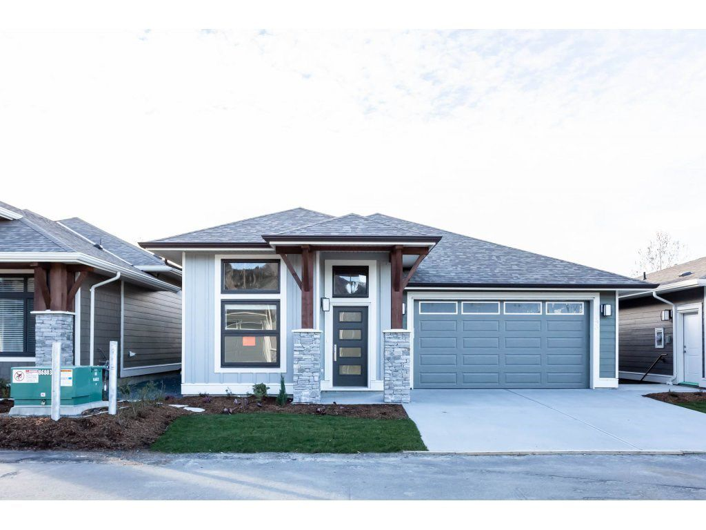 """Main Photo: 43 46110 THOMAS Road in Sardis: Vedder S Watson-Promontory House for sale in """"THOMAS CROSSING"""" : MLS®# R2309715"""