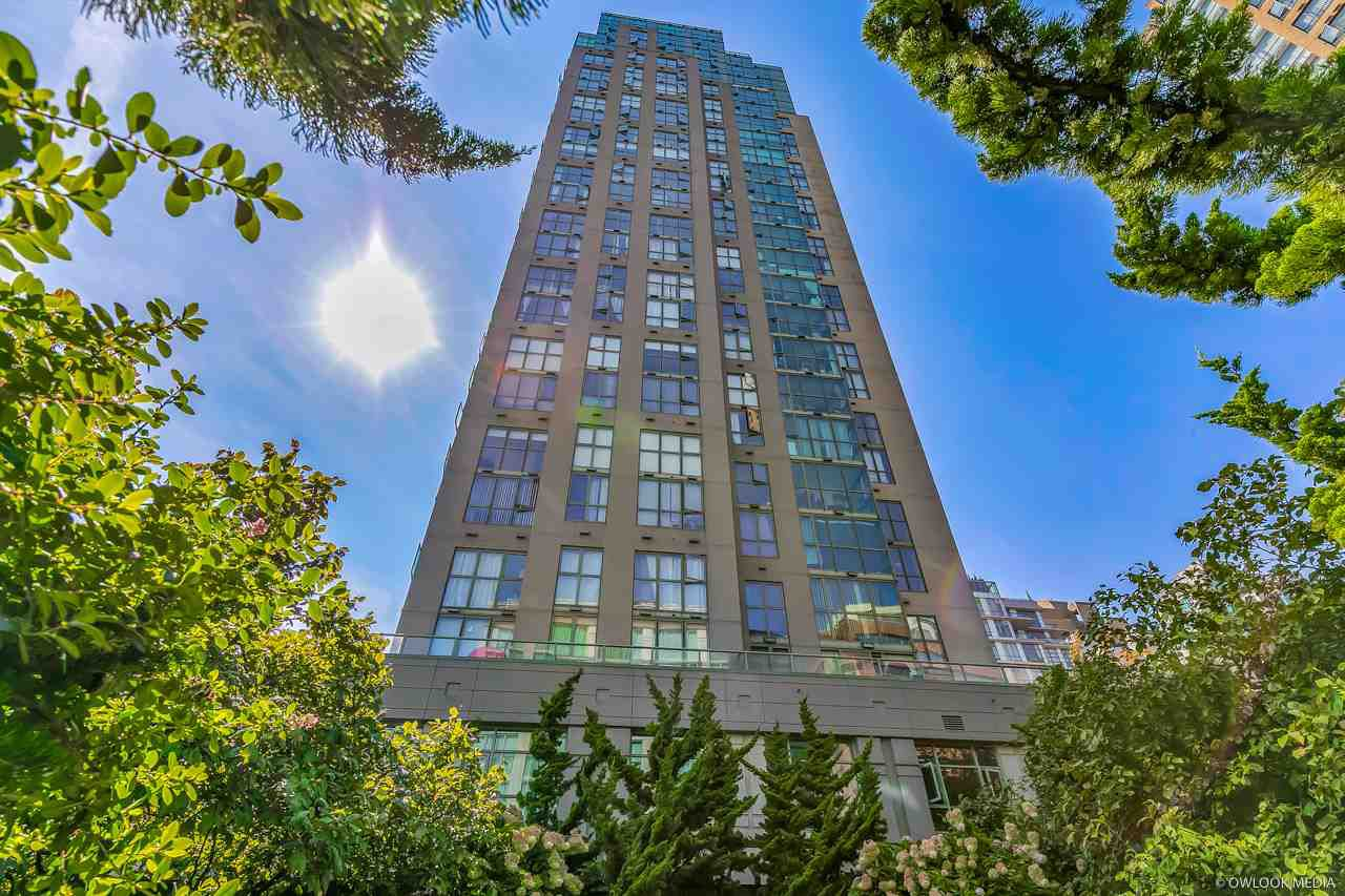 Main Photo: 2206 1188 HOWE Street in Vancouver: Downtown VW Condo for sale (Vancouver West)  : MLS®# R2330215