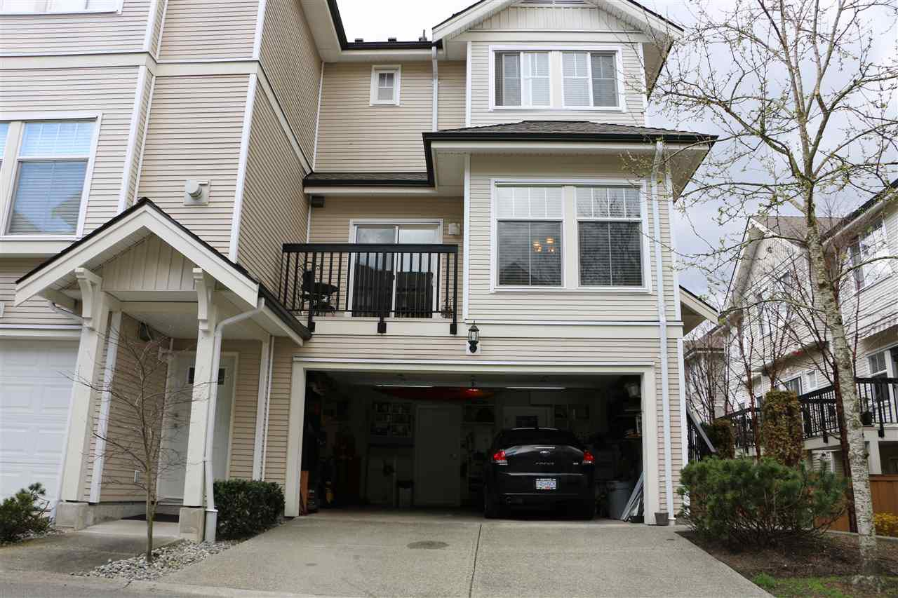 "Main Photo: 25 21535 88 Avenue in Langley: Walnut Grove Townhouse for sale in ""REDWOOD LANE"" : MLS®# R2354696"