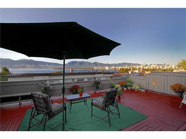 Main Photo: 403 2475 YORK Avenue in Vancouver: Kitsilano Condo for sale (Vancouver West)  : MLS®# V909396