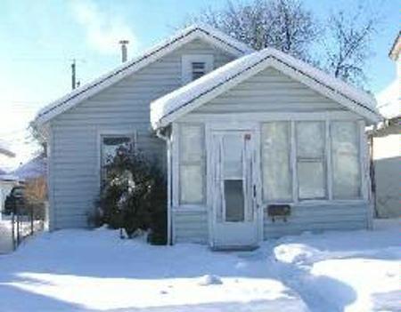Photo 1: Photos: 240 Chelsea Avenue: Residential for sale (East Kildonan)  : MLS®# 2701912
